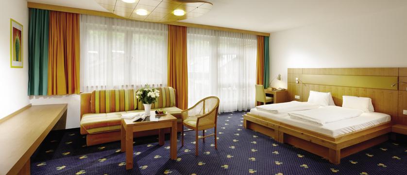 junior-suite-hotel-der-waldhof-zell-am-see-austria.jpg